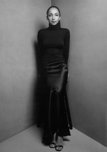 Sade_gown